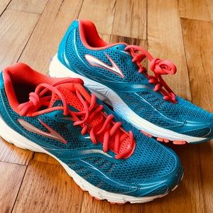Brooks Launch Caribbean Sea Fiery Coral Shoes 9.5